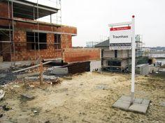 """Egal ob Bau-, Immobilien-, Firmen-, Praxis-, Kanzlei-, oder Parkplatzschild - mit uns werden sie """"gut gefunden"""". Signage, Real Estates, Don't Care, Pictures"""