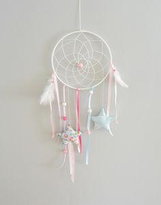Attrape rêve / mobile étoile fait main Sewing For Kids, Diy For Kids, Crafts For Kids, Diy Crafts, Dreams Catcher, Sun Catcher, Dream Catcher Mobile, Birth Gift, Native American Crafts