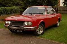 Fiat 124 Sport Coup 1800 70s Cars, Retro Cars, Vintage Cars, Fiat 124 Spider, Fiat Cars, Fiat Abarth, Fiat 500, Motor Car, Cool Cars