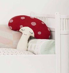 OYOY mushroom pillow http://www.knuffelsalacarte.nl/nl/oyoy-paddestoel-kussen-oyoy.html