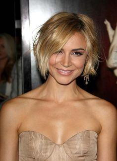 another way to style a bob - Modern Bob Hairstyles For Fine Hair, Short Hairstyles For Women, Hairstyles Haircuts, Pretty Hairstyles, Long To Short Hair, Short Hair Cuts, Short Hair Styles, Hair Inspo, Hair Inspiration