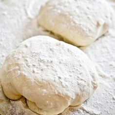 Want the best pizza dough recipe EVER? This is no-knead pizza dough that turns out perfect every time. Plus tips for homemade pizza.