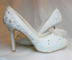 Really baby blue lace wedding shoes.something blue : ) Wedding Shoes Bride, Blue Wedding Shoes, Bridal Shoes, Gift Wedding, Dream Wedding, Lace Wedding, Wedding Dreams, Wedding Ceremony, Wedding Stuff
