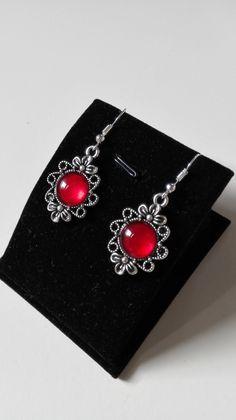 Boucles d'oreilles noeuds celtiques Claire Sassenach cabochons rouges argenté Outlander Reign Ecosse
