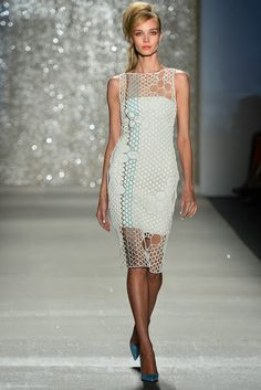 Pamella Roland crochet