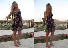 http://www.fashionozge.com/2012/08/ciceklere-burunmenin-mutlulugu-floral.html  #floral #dress #summerstyle #blogger #alacati #fashionozge