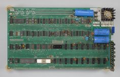 For almost 600 times its original sale price you could own a piece of computing history. A rare Apple 1 computer motherboard is likely to get around $400,000, when it is auctioned off later this month.