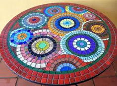 22 Super Ideas For Diy Outdoor Table Mosaic Stepping Stones Mosaic Diy, Mosaic Garden, Mosaic Crafts, Mosaic Projects, Mosaic Glass, Mosaic Tiles, Pebble Mosaic, Mosaic Outdoor Table, Outdoor Table Tops