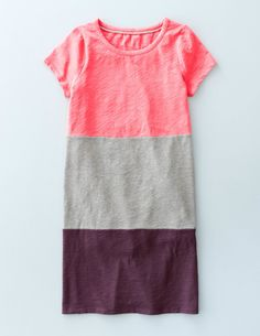 You loved our T-shirt dress so much last season that we've updated the fabric and brought it back (looking better than ever) with new colourblock styles. Made from soft, lightly textured cotton, this crew neck dress drapes gently for an easy-going fit. Pair with sandals and some sunnies for a causal look, or dress it up with an oversized blazer.