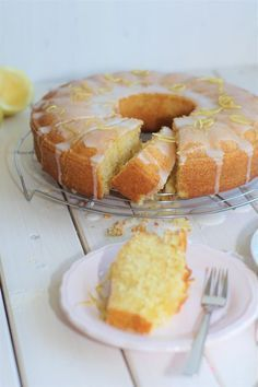 Zitronen-Buttermilch Kuchen Lemon buttermilk cake very good, keeps fresh for a long time Easy Cake Recipes, Sweet Recipes, Baking Recipes, Cookie Recipes, Dessert Recipes, Pastry Recipes, Drink Recipes, Bolo Cake, Sweets Cake