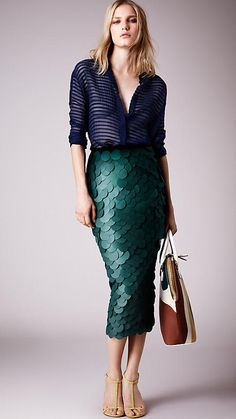 Burberry Dark forest green Opaque Sequin Embroidered Pencil Skirt - Image 3
