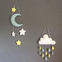 The moon and rain cloud mobile wall hanging mobile - Baby Rooom Cloud Nursery Decor, Clouds Nursery, Moon Nursery, Baby Room Decor, Star Nursery, Nursery Mobiles, Baby Mobiles, Felt Wall Hanging, Diy Hanging