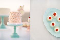 teal cake stands.