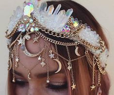 Maybe for the repetition of our handfasting photos - - ? Maybe for the repetition of our handfasting photos – - Cute Jewelry, Hair Jewelry, Stylish Jewelry, Wedding Jewelry, Gold Jewelry, Mermaid Crown, Diy Jewelry Inspiration, Style Inspiration, Handfasting