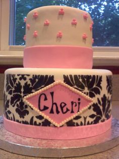 A cake for Christinas friend, Cheri, for her 40th birthday that is both feminine and fun, just like the birthday girl! The inside was almond cake with fresh raspberry filling. Happy birthday, Cher!