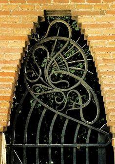Finca Güell / Hierro forjado / Detalle fachada- Hierro forjado