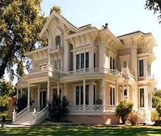 Just LOVE the victorian home designs :)