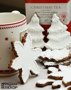 White Christmas cookies - Photo Only! Christmas Kitchen, Noel Christmas, Christmas Goodies, Christmas Baking, White Christmas, Christmas Tables, Modern Christmas, Christmas Sugar Cookies, Holiday Cookies