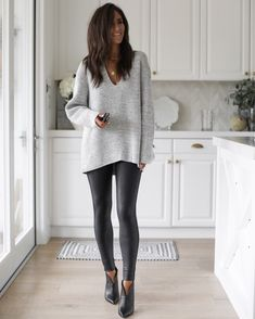 Outfits Leggins, Leggings Outfit Winter, Leather Leggings Outfit, Faux Leather Leggings, Outfit Ideas With Leggings, Leather Skirt, Leather Jacket, Mode Outfits, Fall Outfits