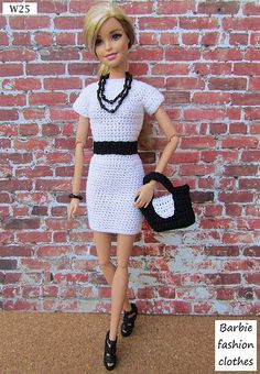 W25 | Anel Lombard | Flickr Barbie Knitting Patterns, Knitting Dolls Clothes, Barbie Patterns, Doll Clothes Patterns, Crochet Barbie Clothes, Doll Clothes Barbie, Barbie Dress, Fashion Dolls, Fashion Outfits