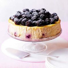 There's a cheesecake out there for everyone, whether no-bake chocolate or banoffee, or a hybrid of some of your favourite desserts (hello sticky toffee pudding cheesecake! Make your own with these easy recipes! Healthy Cheesecake Recipes, Chocolate Cheesecake Recipes, Baked Cheesecake Recipe, Caramel Cheesecake, Healthier Desserts, Healthy Recipes, Blackberry Cheesecake, Best Cheesecake, Blackberry Recipes