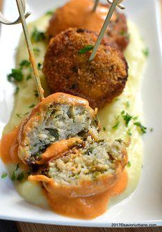 Chiftele de pui reteta simpla pas cu pas | Savori Urbane Salmon Burgers, Stir Fry, Fries, Ethnic Recipes, Pork, Fine Dining, Salmon Patties