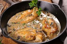 Braised Chicken Thighs, Chicken Thighs Mushrooms, Chicken Breasts, Chicken Thigh Recipes, Healthy Chicken Recipes, Cooking Recipes, Recipe Chicken, Delicious Recipes, Creamy Mushrooms