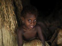 Young cute girl in Yakel, Vanuatu  © Eric Lafforgue