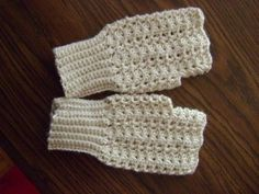 free crochet fingerless mitts patterns wrist warmers crochet arm warmers free patterns make for Jasmine and make smaller or larger accordingly. Crochet Fingerless Gloves Free Pattern, Crochet Mitts, Fingerless Gloves Knitted, Crochet Yarn, Free Crochet, Crochet Granny, Crochet Wrist Warmers, Crochet Accessories, Vintage Crochet