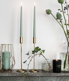 hm home christmas Hoher Kerzenhalt - hm Large Pillar Candles, Pillar Candle Holders, Home Candles, Diy Candles, Chandeliers, H & M Home, Green Christmas, Deco Design, Porta Velas