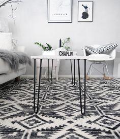 DIY: Sohvapöytä mäntylevystä ja itse tehdyistä pinnijaloista