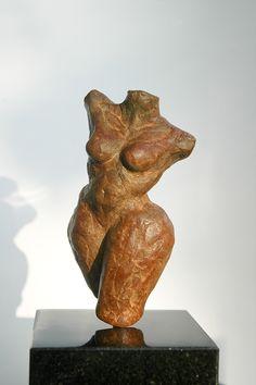 Bronze sculpture 'TORS' by Rob Donders