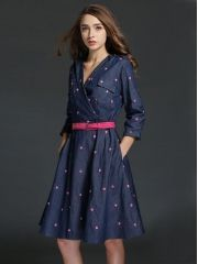 European Ladies Fashion Heart Embroidery V-Neck Slim Expansion Bottom Denim Three Quarter Sleeve Dress