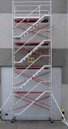 Stairway Aluminum Scaffolding System The stairway scaffolding provides optimum safety owing to its staircase system, along with handrail feature. It is ideal for large load capacity climbing in addition to allowing access to elevated heights. Health And Safety Poster, Safety Posters, Aluminium Scaffolding, Safety Slogans, Construction Safety, Homemade Tools, Co Working, Aluminum Metal, Stairways