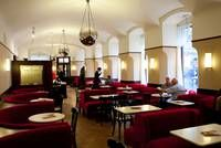 Café Museum  No other Viennese coffeehouse can claim to have served more geniuses over the years than Café Museum. Artists Gustav Klimt, Egon Schiele and Oskar Kokoschka were regulars, as were writers Karl Kraus and Elias Canetti, and architects Otto Wagner and Adolf Loos.