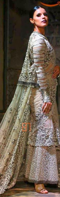 Bollywood Fashion Shows Pictures Pakistani Dresses, Indian Dresses, Indian Outfits, India Fashion, Fashion Show, Fashion Outfits, Bridle Dress, Indian Bridal Wear, Indian Wear