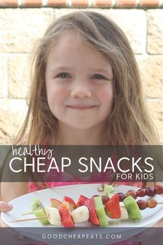 Healthy Cheap Snacks for Kids What Are Healthy Snacks, Healthy Eating Tips, Easy Healthy Recipes, Snack Recipes, Chocolate Dipped Bananas, Healthy Afternoon Snacks, Light Snacks, Veggie Tray, Recipe For Mom