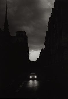 Jason Langer Derriérre, 2004 Thanks to darksilenceinsuburbia and yama-bato Dark Photography, Black And White Photography, Street Photography, Monochrome Photography, Photography Ideas, Nocturne, Shadow Silhouette, Black N White Images, Black White