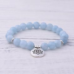 Our beautiful Aquamarine Throat Chakra Bracelet 😍💚💜🌸This Aquamarine Bracelet takes on the energy of the ocean and creates a sense of purity and relaxation. Aquamarine helps to open the channels of communication especially in relationships. Aquamarine Bracelet, Aquamarine Stone, Chakra Bracelet, Throat Chakra, Chakra Stones, Bracelet Sizes, Beaded Bracelets, Gemstones, Crystals