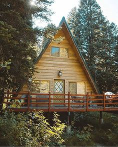 """204 Likes, 1 Comments - Cabins (@cabinist) on Instagram: """"& @pieceofwilderness click link in bio to shop! . What dreams are made of. @lostintheforrest…"""""""