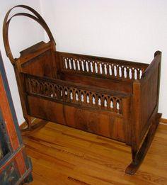 Vid, Antique victorian swinging bassinet
