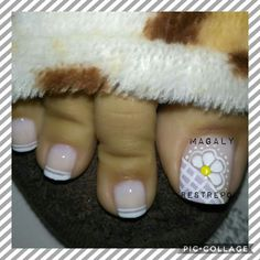 59 ideas for pedicure decorado rosa French Pedicure, Pedicure Colors, French Manicure Designs, Pedicure Designs, Pedicure Nail Art, Toe Nail Designs, Toe Nail Art, Luv Nails, Pretty Toe Nails