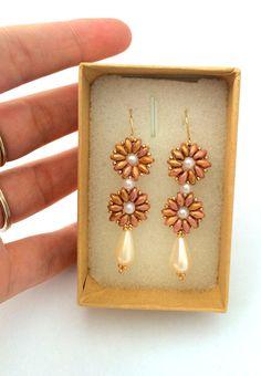 Bridal Beaded Earrings / Super Duo Earrings / Bridal Pearl Earrings