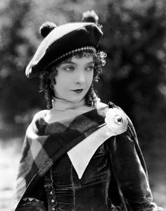 I suspect it's the wool and velvet that make me love this photo of Lillian Gish. via A Mythical Monkey Writes About the Movies