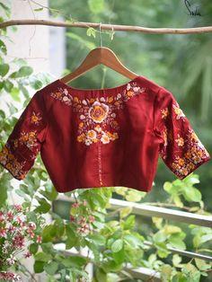 Sari Design, Saree Blouse Designs, Blouse Patterns, Indian Embroidery, Embroidery Designs, Blouse Models, Work Blouse, Embroidered Blouse, Indian Designer Wear