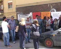 Lavoratori ex sportelli Multifunzionali protestano davanti la segreteria dell'assessore Miccichè<span class='video_title_tag'> -Video</span>