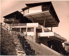 Urbanización Playa Grande de Catia la Mar, estado Vargas. Diseñada por el arquitecto Fruto Vivas (FAU UCV promoción 5 / 1956). Fuente foto- crono arquitectura venezuela
