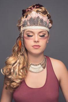 Axelle B. collection haute coiffure 2015 toque esprit indienne en plumes