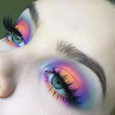 Rainbow halo eyes today PRODUCTS USED: @morphebrushes brushes and 35B palette @houseoflashes Iconic lashes @benefitcosmetics Goof Proof Brow Pencil