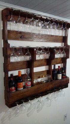 Diy Home Bar, Bars For Home, Diy Home Decor, Wood Shop Projects, Diy Pallet Projects, Bar Pallet, Rustic Wine Racks, Home Bar Designs, Wall Decor Design